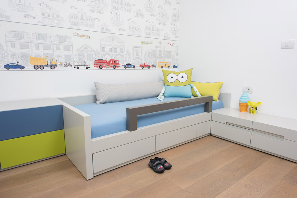 מיטת יחיד לילד בחדר ילדים