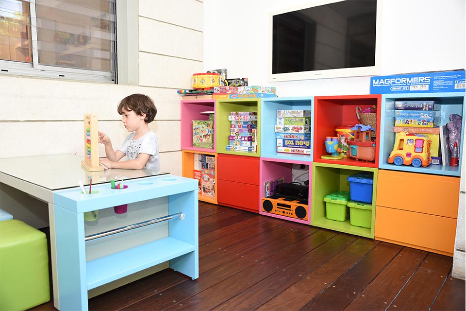 חדר משחקים צבעוני
