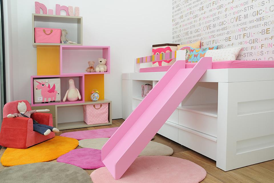 מיטה גבוהה עם מגלשה לחדרי ילדים