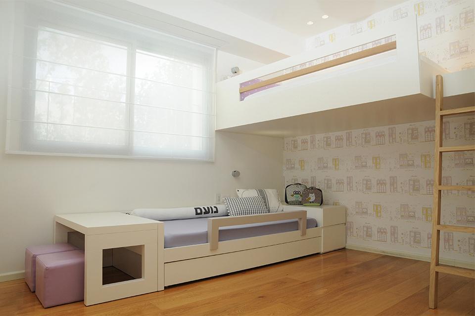מיטת קומותיים לחדר קטן