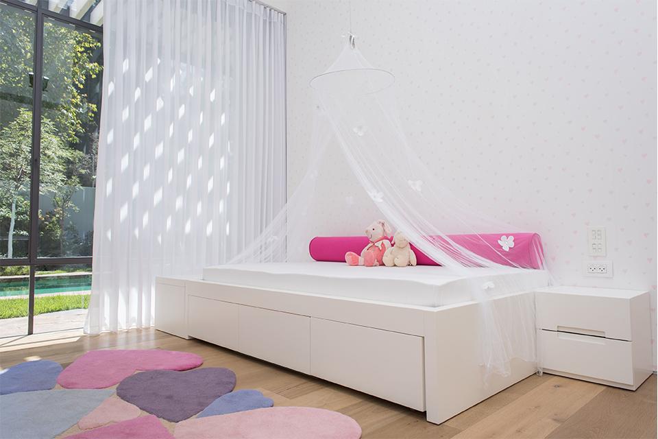 מיטה לחדר נסיכות