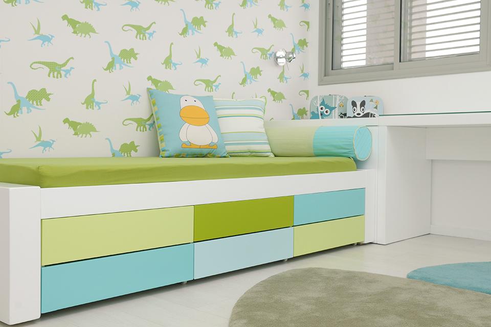 מיטת יחיד ייחודית וצבעונית
