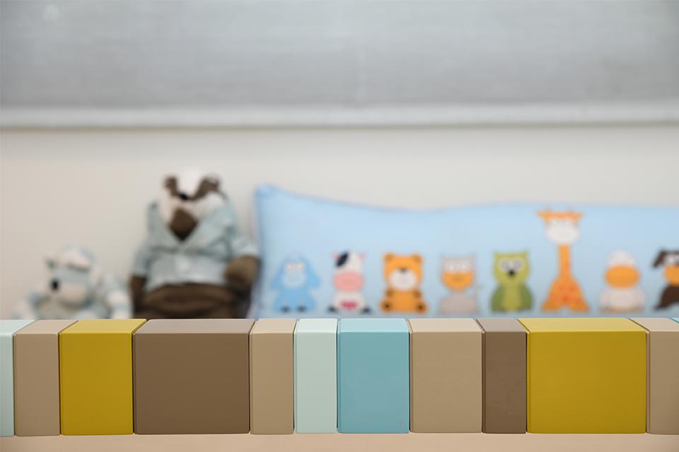 מעקה בטיחות צבעוני למיטת יחיד