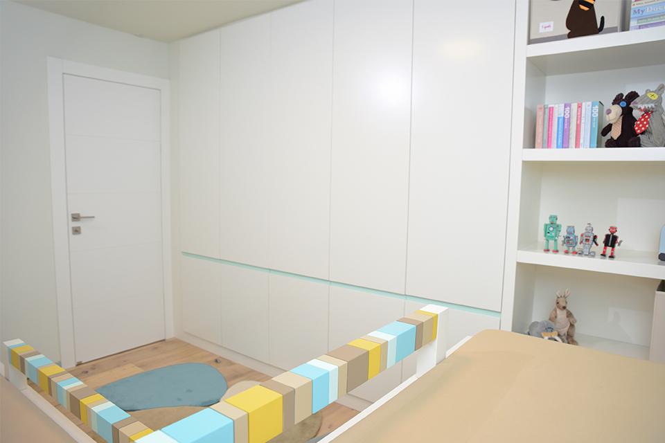 מעקה בטיחות צבעוני למיטות ילדים