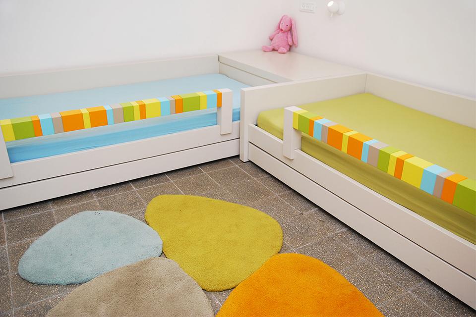 שתי מיטות מעוצבות לחדרי ילדים