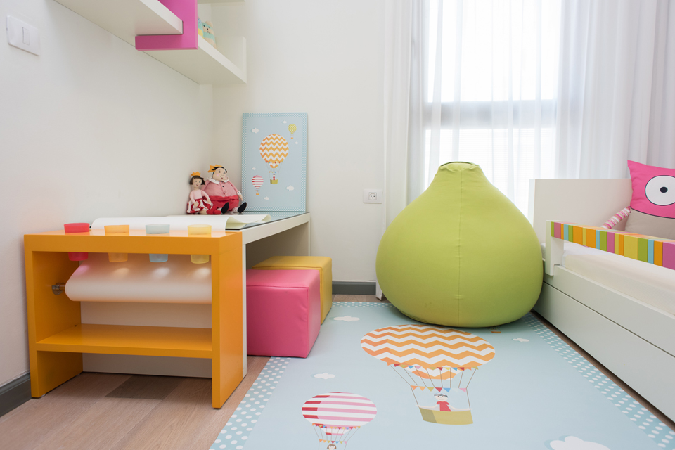 פוף עגול גדול לחדר ילדים ונוער