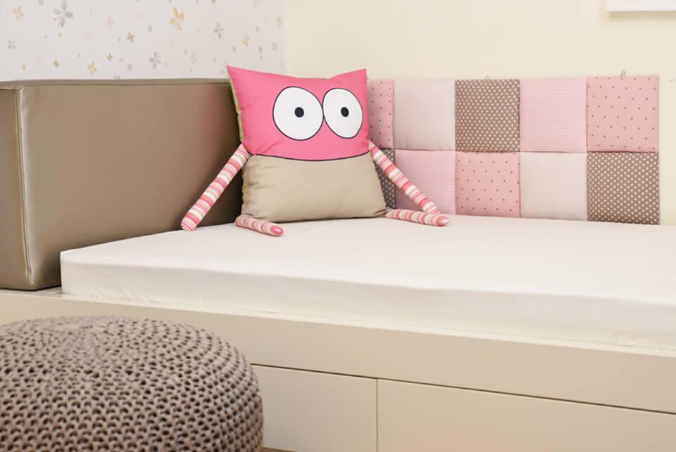 בובות למיטות ילדים ונוער