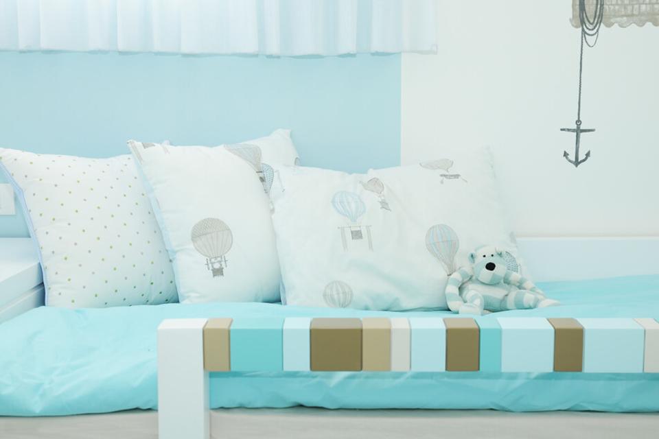 כריות גדולות ונוחות למיטת ילדים ונוער