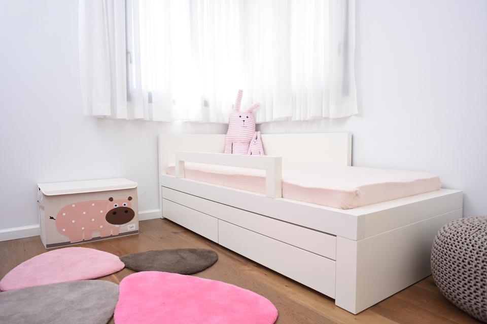 מיטת יחיד מעוצבת לחדר ילדה