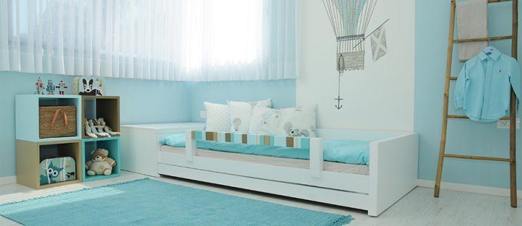החדר של בן – חדר לבנים בגוונים כחלחלים